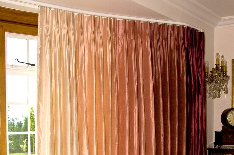 handmade bespoke pinch pleat bay curtains