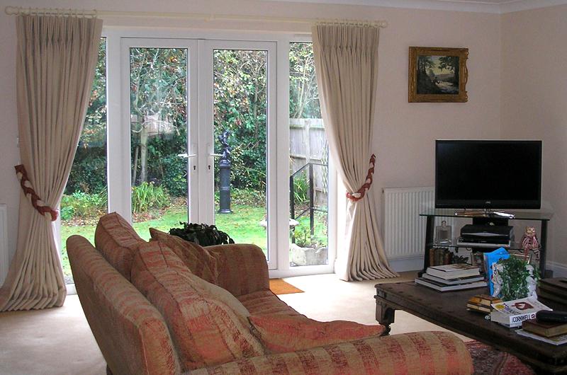 handmade bespoke curtain, tiebacks, roman blinds