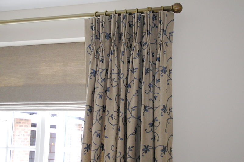 handmade bespoke curtain with Roman blind