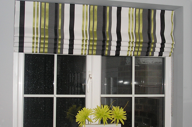 handmade bespoke striped roman blind