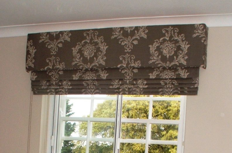 handmade bespoke roman blind and pelmet